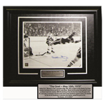 9904 - ''The Goal'' Bobby Orr Signed Photo